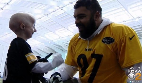 Cam Howard meets Cam Heyward: Boy with rare disorder meets his fave Steeler
