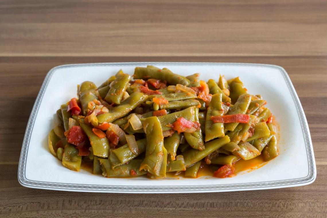 cooked beans in tomato sauce greek vegan food