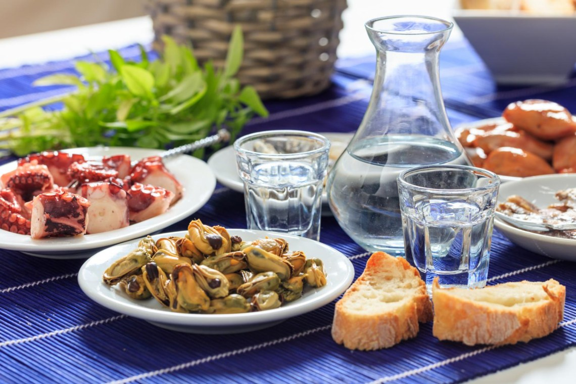 ouzo and mezedakia grek plates