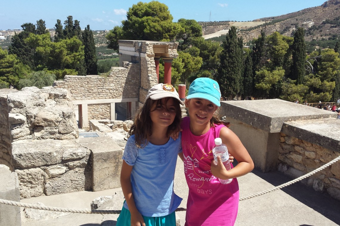 Knossos palace family guided tour