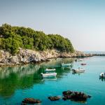 beach with boats in Pelion Volos KidsLoveGreece.com
