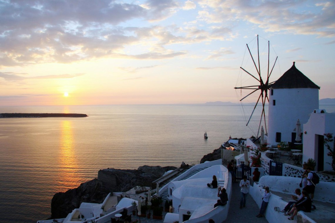 Santorini walking family activity windmills KidsLoveGreece.com