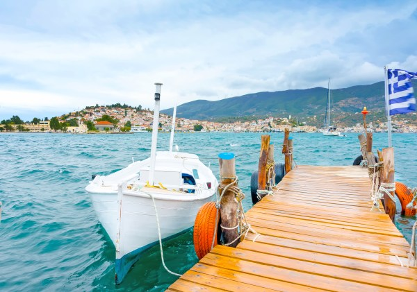 The best islands near Athens for families | Kids Love Greece