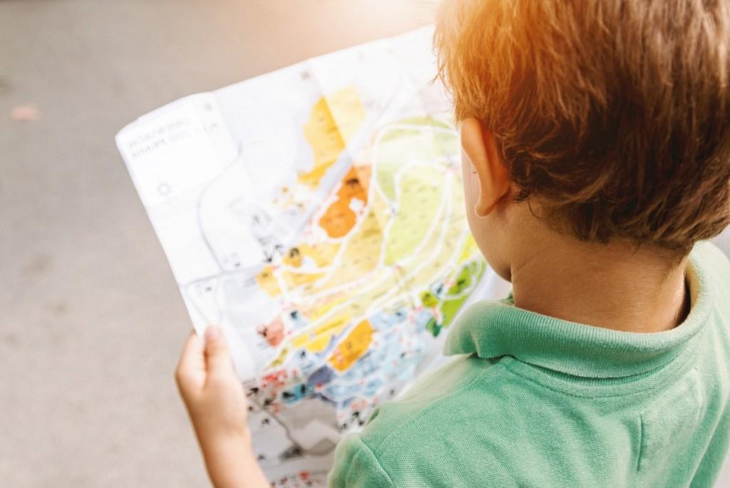treasure hunt for families KidsLoveGreece.com