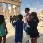 Ακρόπολη με tablets δραστηριότητες για οικογένειες τα Σαββατοκύριακα στην Αθήνα kids love greece