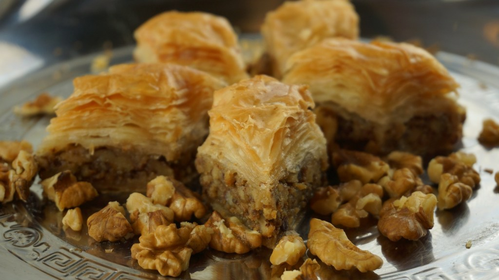 baklava pastry dessert workshop KidsLoveGreece.com