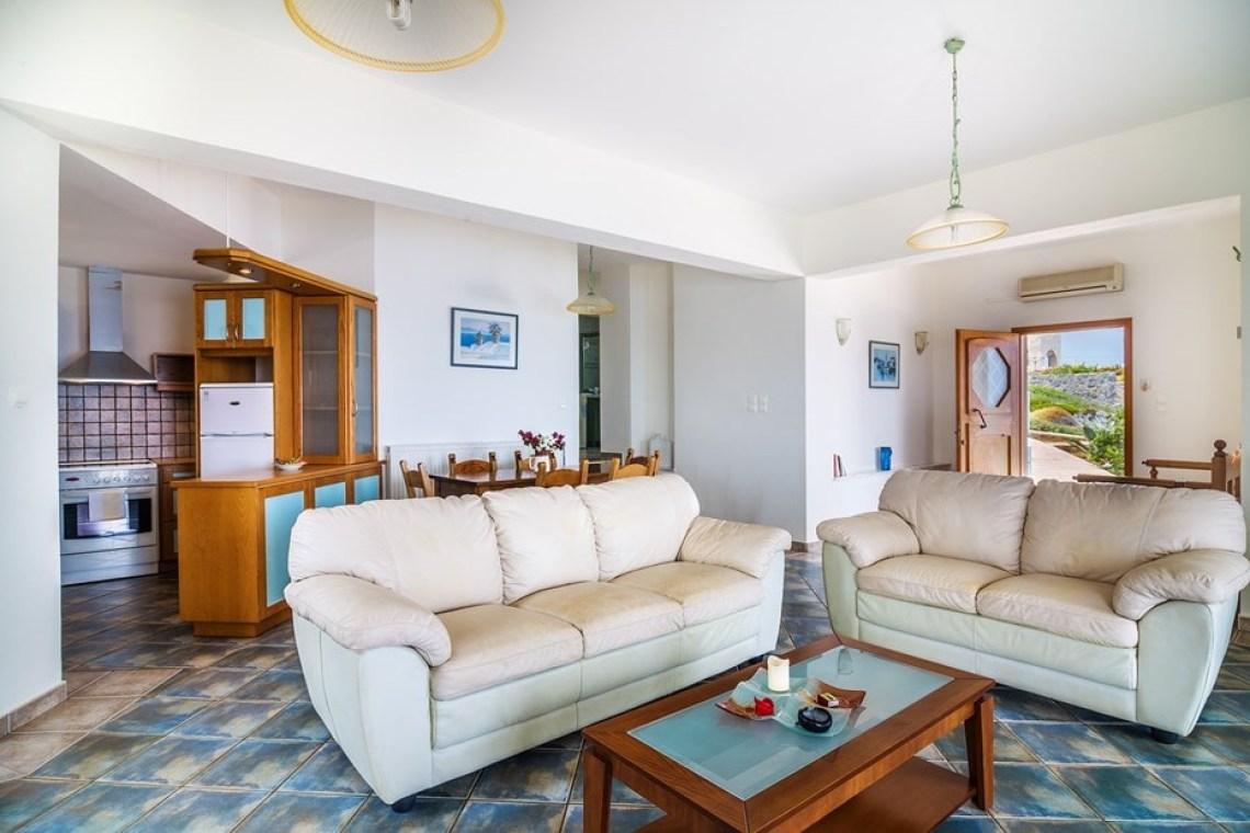 kids love greece accommodation for families family villa pinelopi stavros akrotiri chania crete