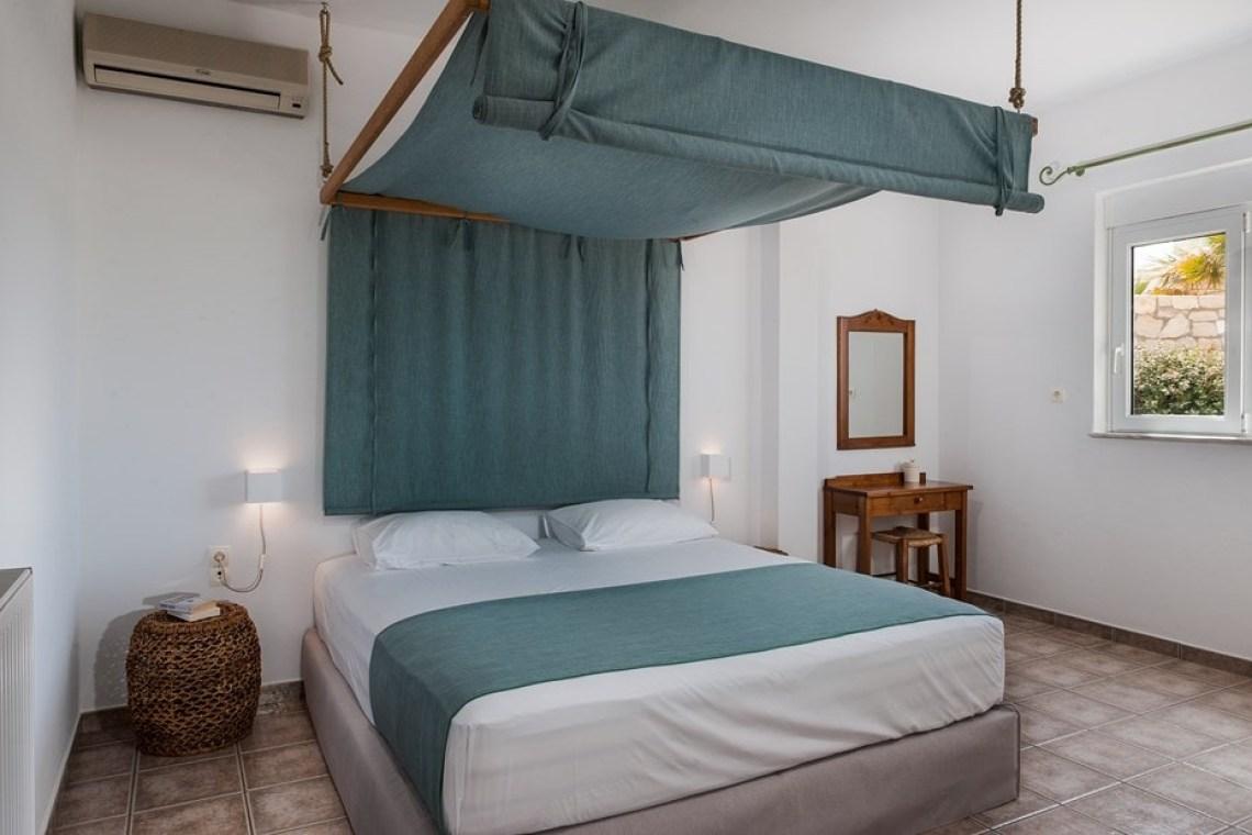 accommodation for families stavros akrotiri chania cretefamily villa pinelopi kids love greece