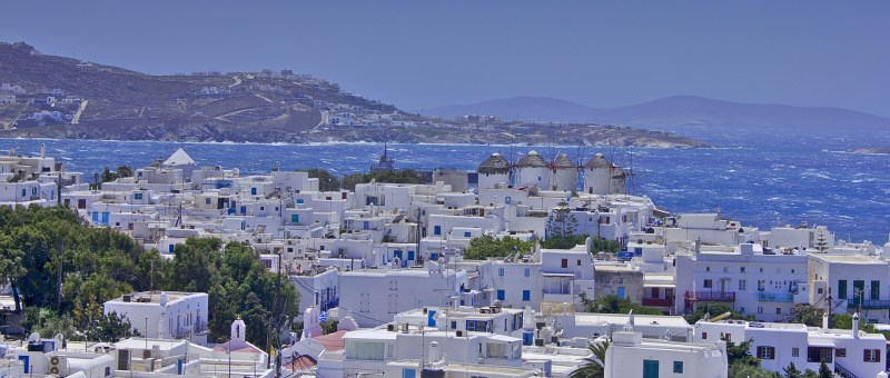 Top family hotels for Island Hopping in the Cyclades