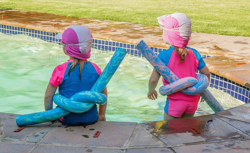 Kids in swimming pool Greece KidsLoveGreece.com