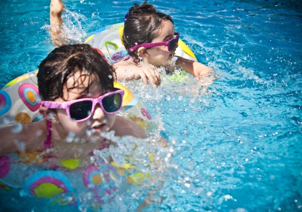 How to find family-friendly accommodation in Greece