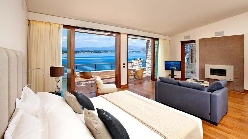 nafplia palace suite