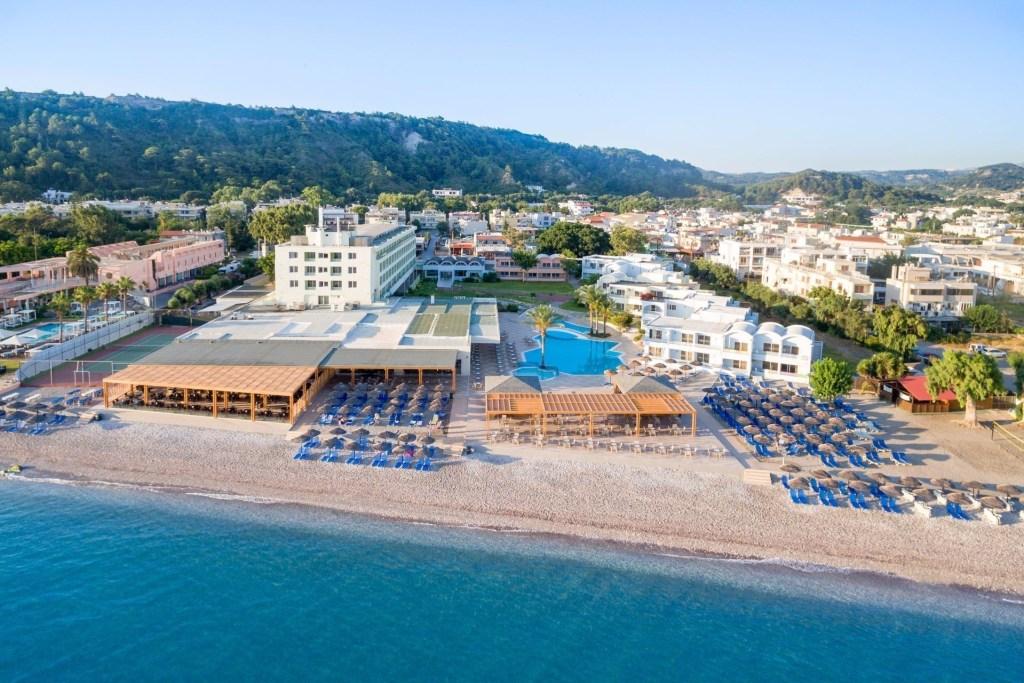 Avra Beach Resort Hotel & Bungalows-min