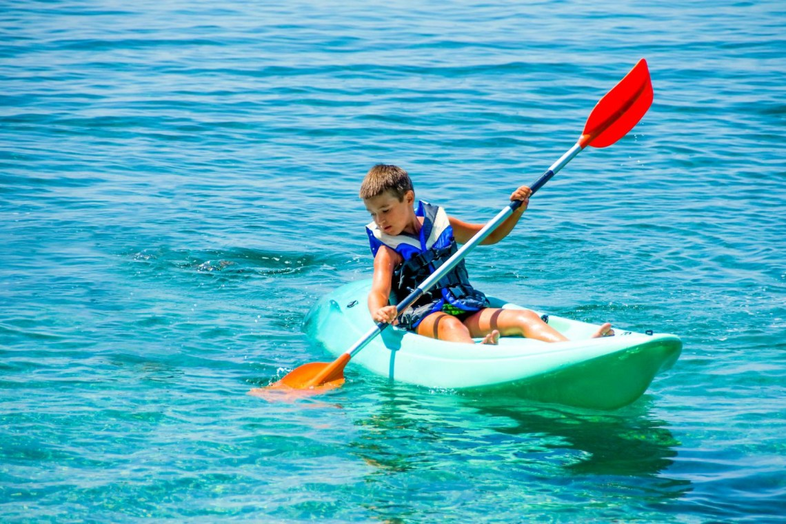 sea kayak activity kidslovegreece.com