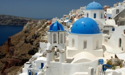 The Best Time To Visit Santorini For Family Vacations