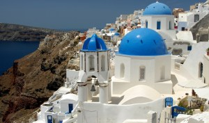 'The Best Time To Visit Santorini For Family Vacations