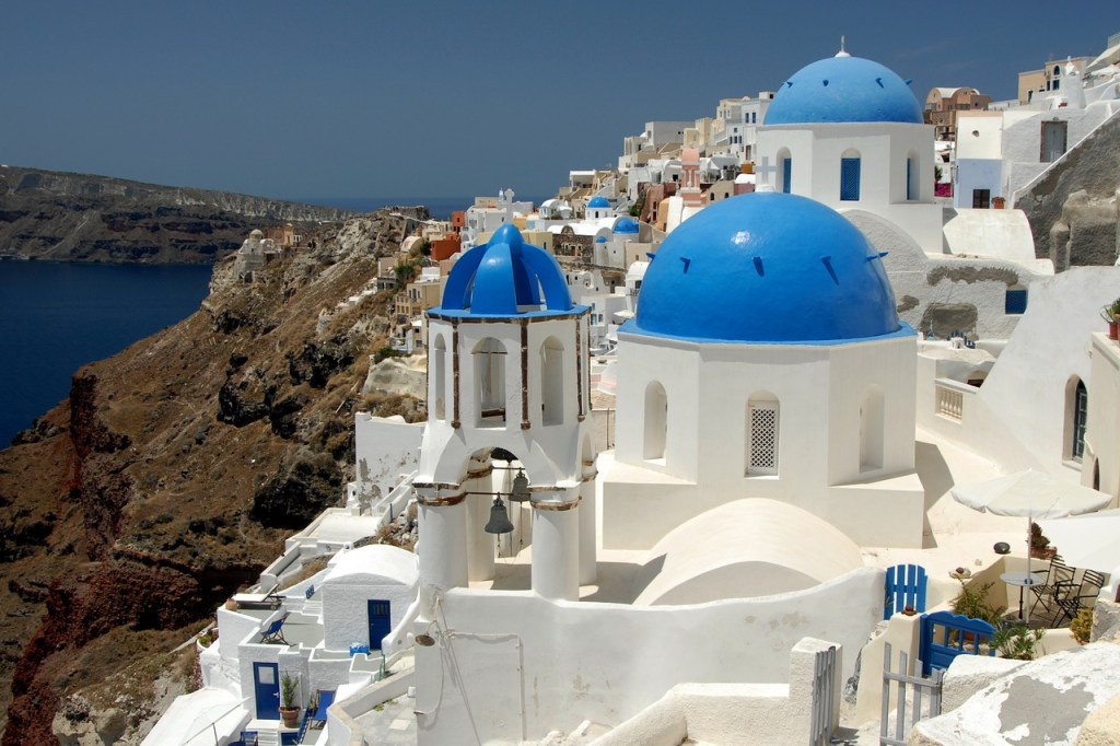 The best time of year to visit Santorini for families