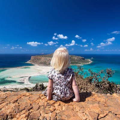 Best of family-friendly beaches in Crete: an interview with an expert