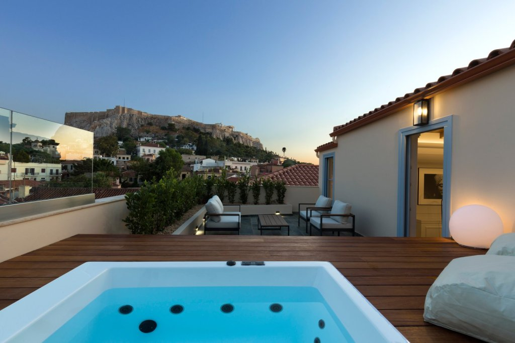 A77 Suites by Andronis jacuzzi-min