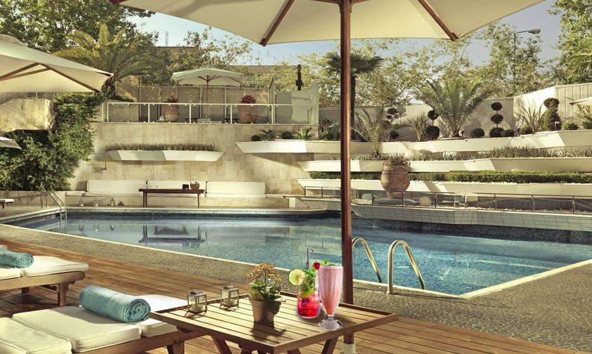 Athenaeum Intercontinental pool facebook-min