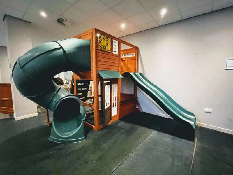 Comis Hotel - Play Area