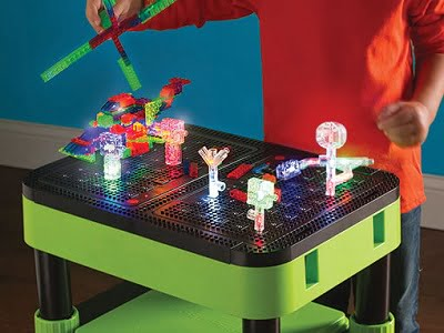 the-3d-illuminated-model-building-table-1
