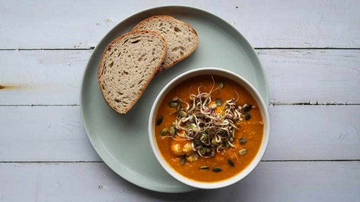 Curry soep met tauge