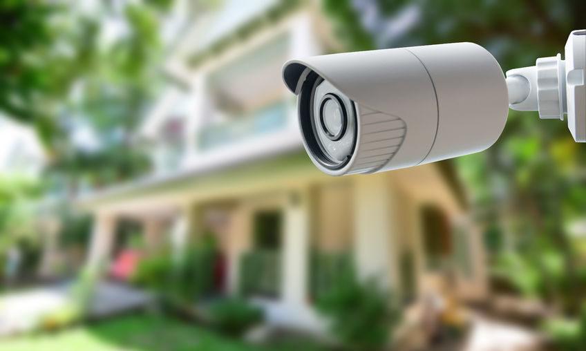 Überwachungskamera überwacht Haus