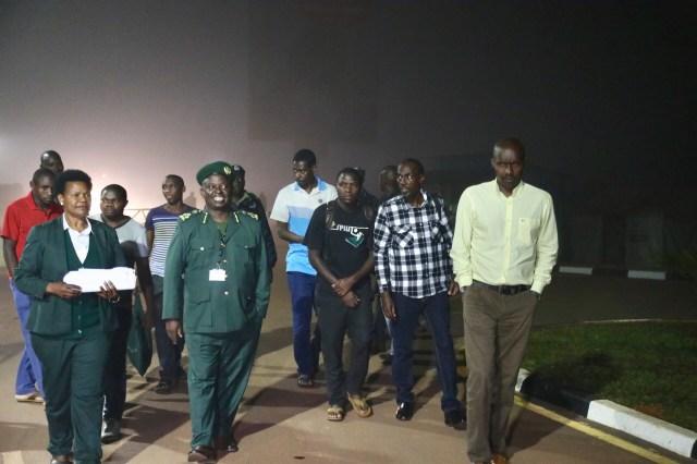 Aha bari bamaze kwambuka umupaka wa Gatuna binjiye mu Rwanda