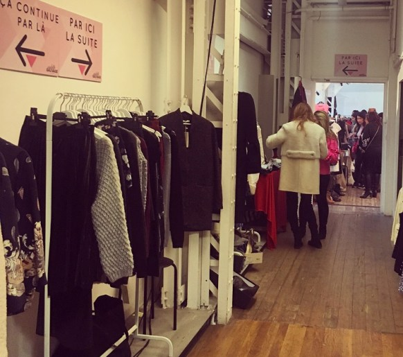 vetement portant dressing violette sauvage videdressing clothes shopping paris republique sacs bags marcjacobs vuitton chanel fashion fashionista createurs fashionblogger