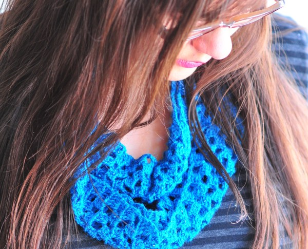 DIY: Sparkly Blue Lacy Crocheted Infinity Scarf with Free Pattern