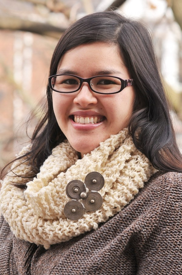 DIY: Woolly Rustic Knit Infinity Scarf and Free Pattern | Kiku Corner