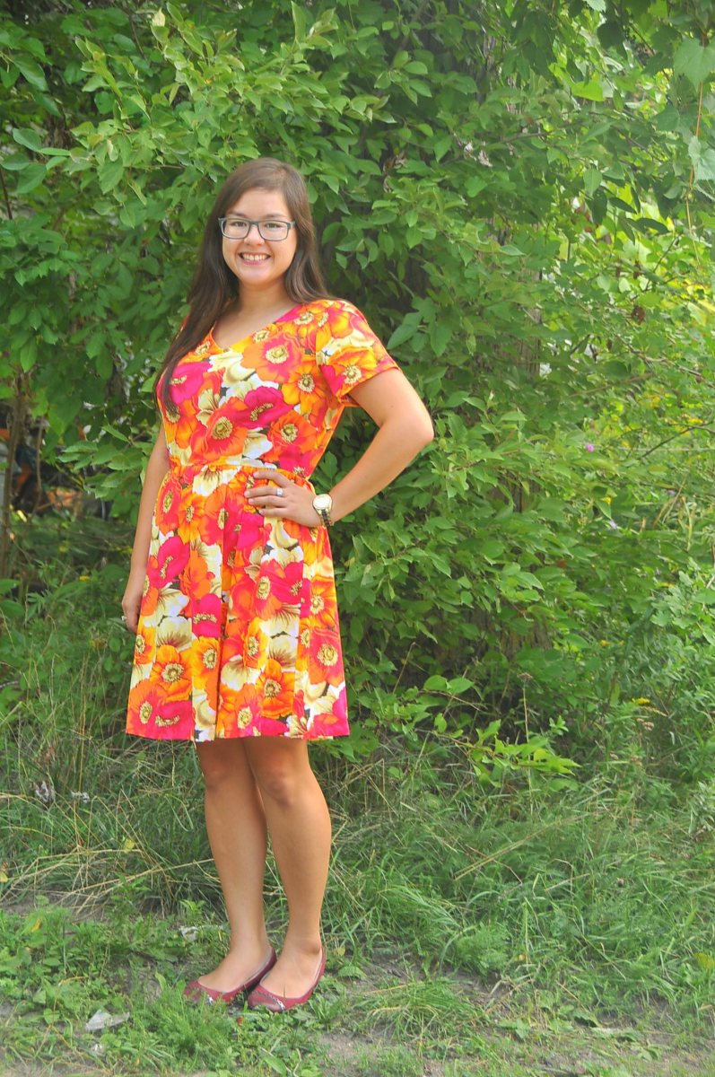 DIY: New Look 6262 V-Neck Dress with Gathered Skirt