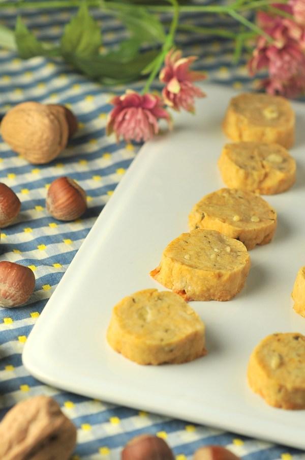 Savoury Gorgonzola Rosemary Shortbread