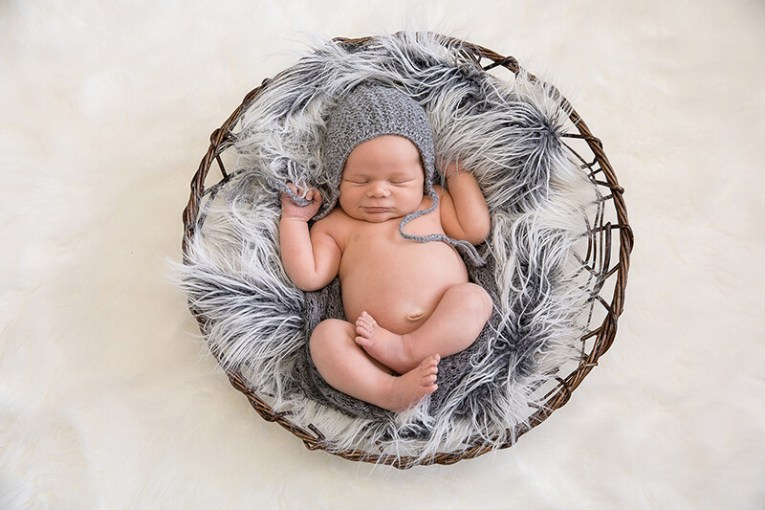 home newborn photography   Kiley Blatch Photography home newborn photography