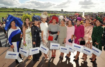 Finalists in the best dressed lady competition