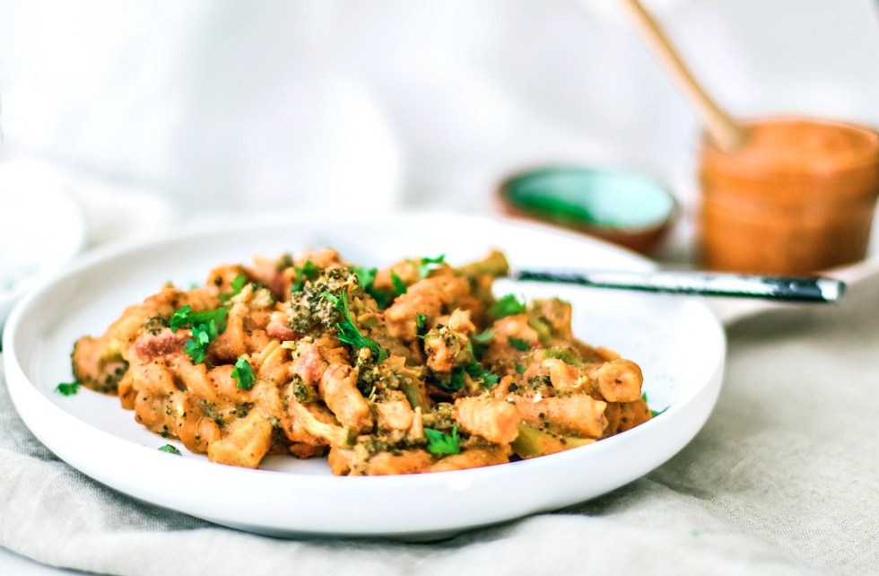 Creamy Instant Pot Pasta With Romesco Sauce plated