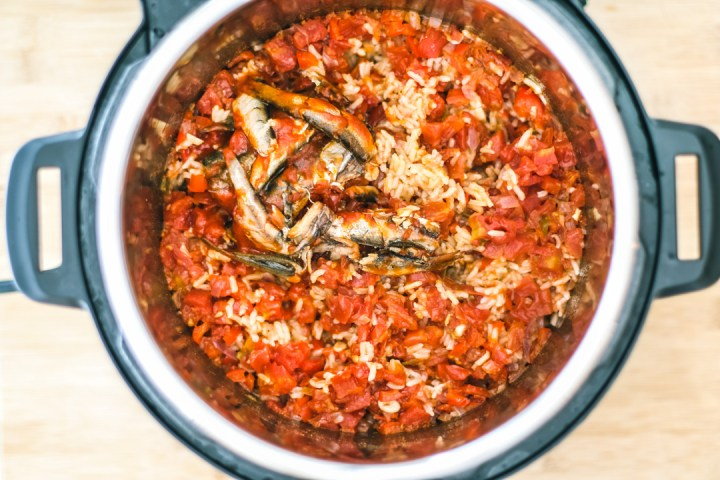 Sardines in Instant Pot with rice