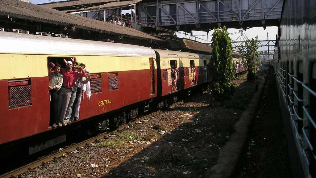 Outdated trains in Inidia. Democracy in India fails it's people.