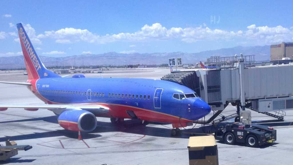 A Southwest Airlines Boeing 737-7H4 in Arizona.
