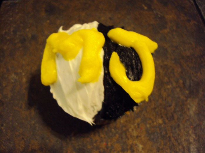black and white michael jackson cupcake