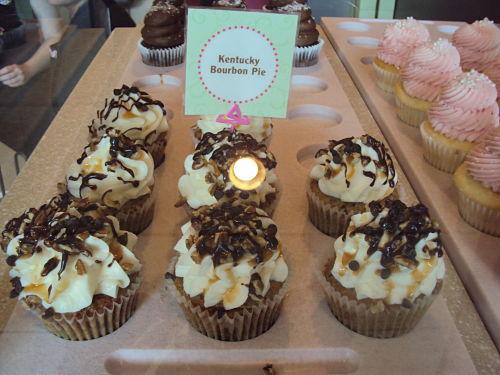 gigi's cupcakes kentucky bourbon pie cupcake display