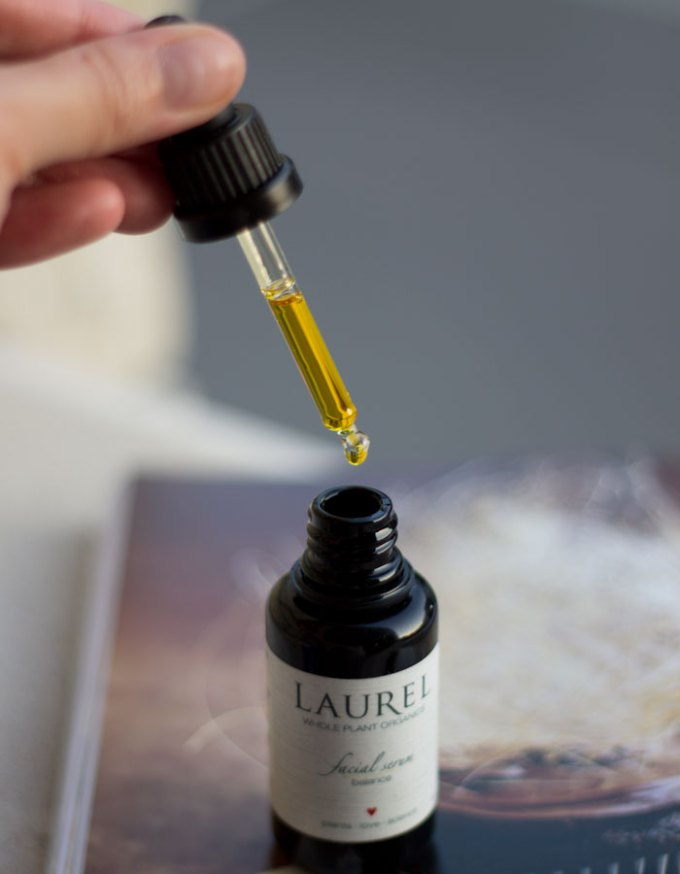 laurel whole plant organics balance facial serum