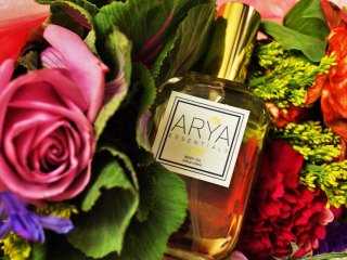 arya essentials body oil