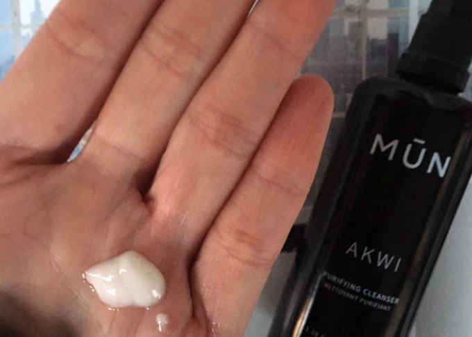 mun akwi purifying cleanser