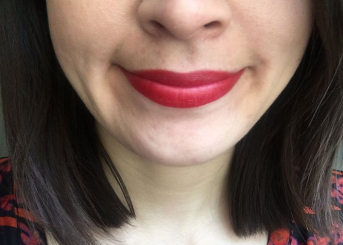jane iredale hot natural red lipstick
