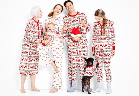 dear_deer_matching_family_pajamas