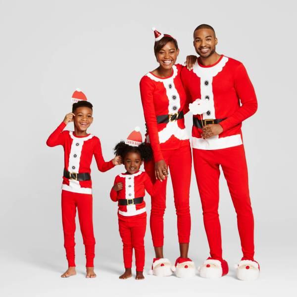 santa_family_matching_pajamas_christmas