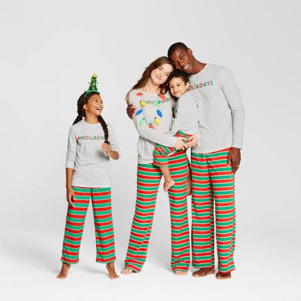 holladays_matching_family_pajamas_pjs