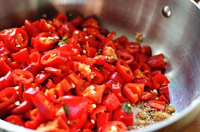 Homemade Sriracha | www.kimchimom.com